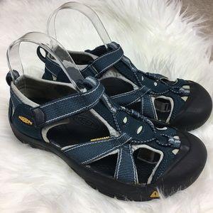 Keen sandals size 8